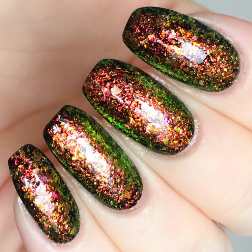 Chameleon flakes from BeautyBigBang – Hanninator